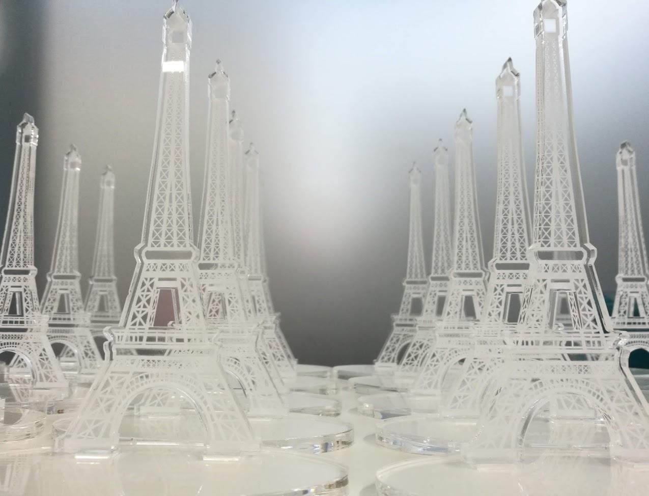 Torre Eiffel en Metacrilato